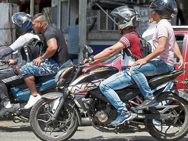 Motociclistas, en cintura con reglamentación de cascos